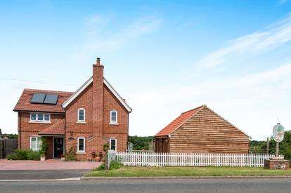 5 Bedrooms Detached House for sale in Garvestone, Norwich, Norfolk
