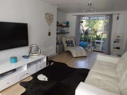 3 Bedrooms Terraced House for sale in Stamford Close, Potters Bar, Hertfordshire