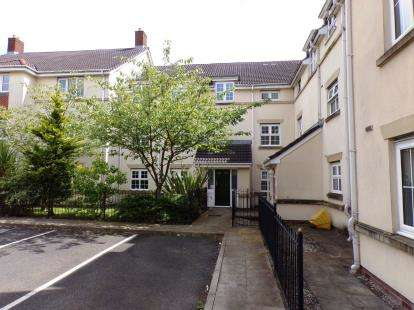 2 Bedrooms Flat for sale in Cravenwood Rise, Westhoughton, Bolton, Greater Manchester, BL5