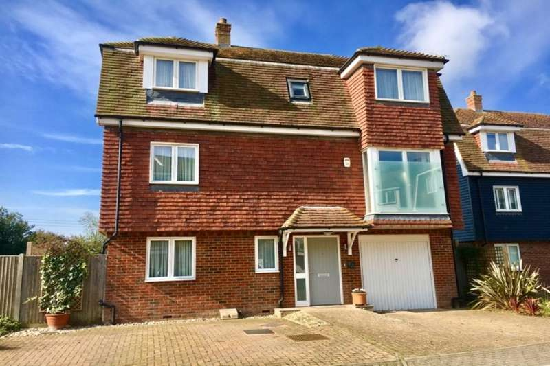 4 Bedrooms Detached House for sale in Western Barn Close, Rye, TN31