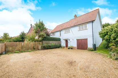 3 Bedrooms Detached House for sale in Chediston Street, Halesworth