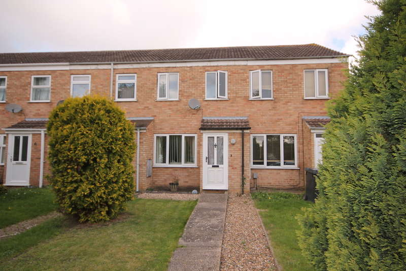2 Bedrooms Terraced House for sale in Crediton Close, Bedford, MK40
