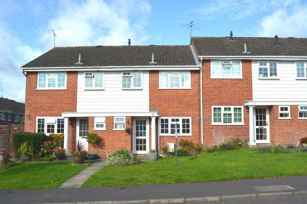 3 Bedrooms Terraced House for sale in Hartley Wintney, Hampshire