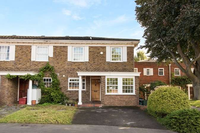 3 Bedrooms End Of Terrace House for sale in Dartmouth Place, Chiswick
