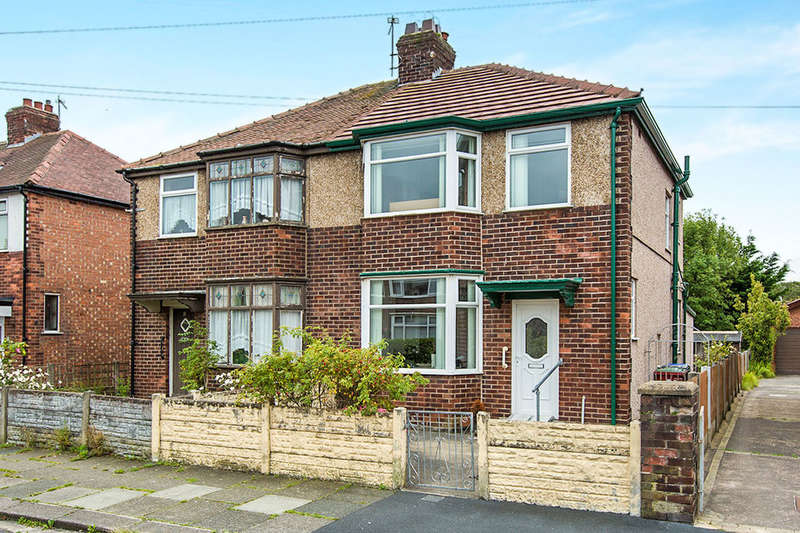 3 Bedrooms Semi Detached House for sale in Burnsall Avenue, Blackpool, FY3