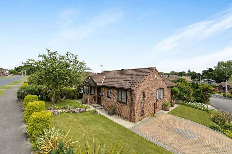 3 Bedrooms Detached Bungalow for sale in Wharfedale Drive, Bridlington, YO16