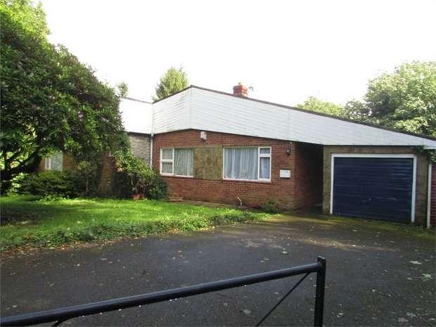 3 Bedrooms Detached Bungalow for sale in Dyffryn, Dyffryn, Neath, West Glamorgan