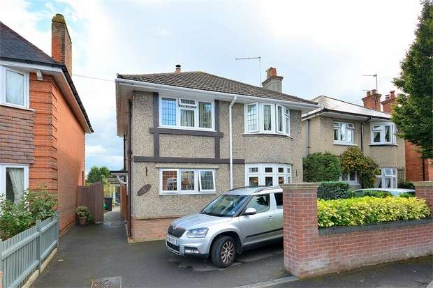 3 Bedrooms Detached House for sale in Eldon Road, Victoria Park, Bournemouth
