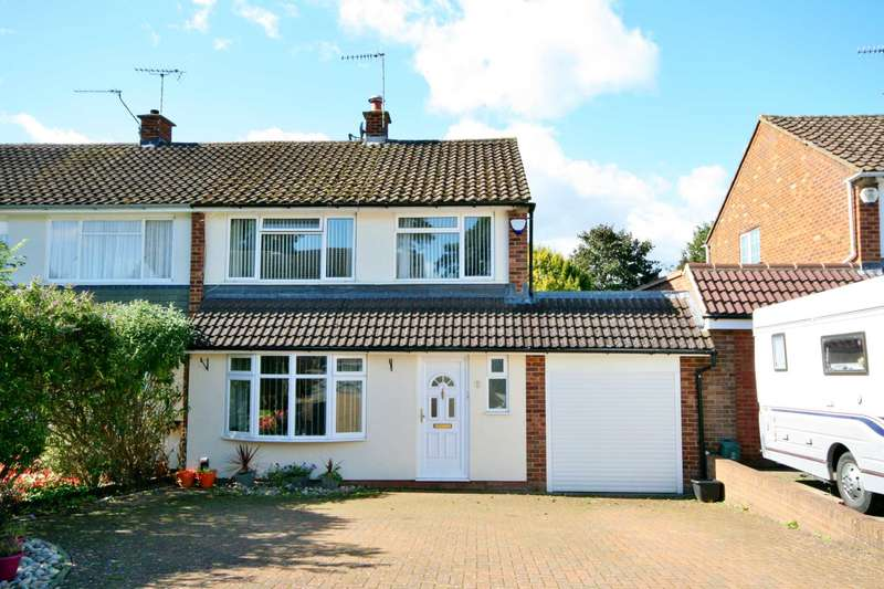 3 Bedrooms Semi Detached House for sale in Levertstock Green