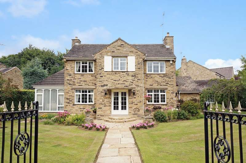 3 Bedrooms Detached House for sale in Crabtree Green, Collingham, Wetherby
