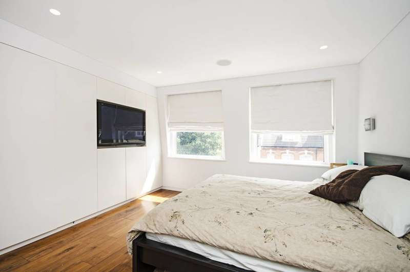 3 Bedrooms Maisonette Flat for sale in Kingdon Road, West Hampstead, NW6
