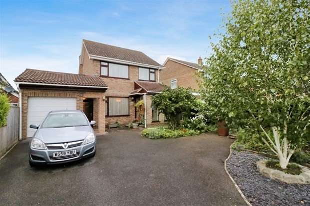 3 Bedrooms Detached House for sale in Goss Drive, Street