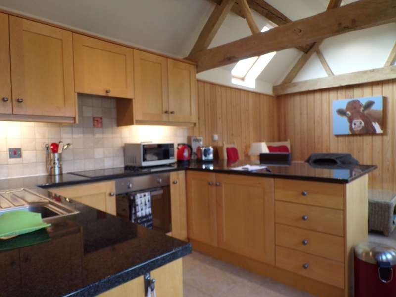 1 Bedroom Barn Conversion Character Property for rent in Stow Road, Alderton, GL20 8NX