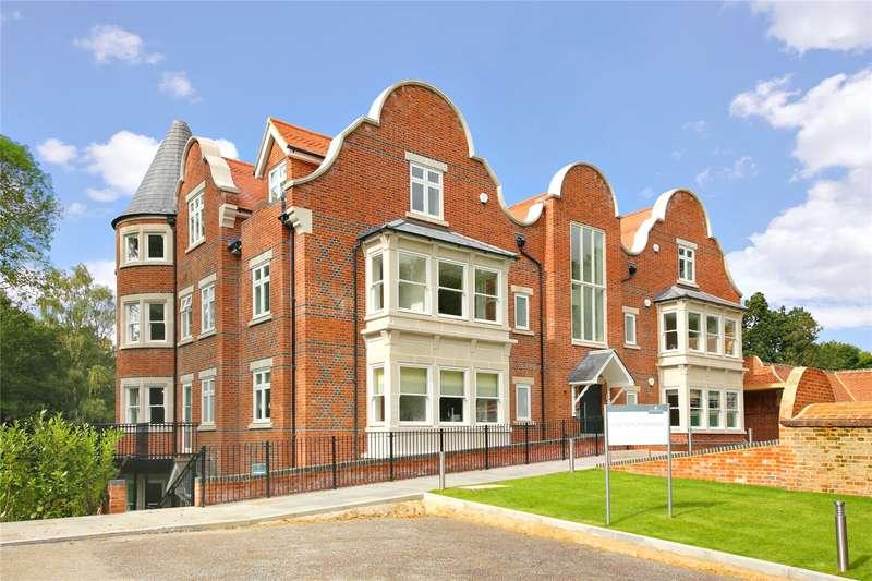 3 Bedrooms Flat for sale in Hillside Manor, Brookshill, Harrow Weald, Middlesex, HA3