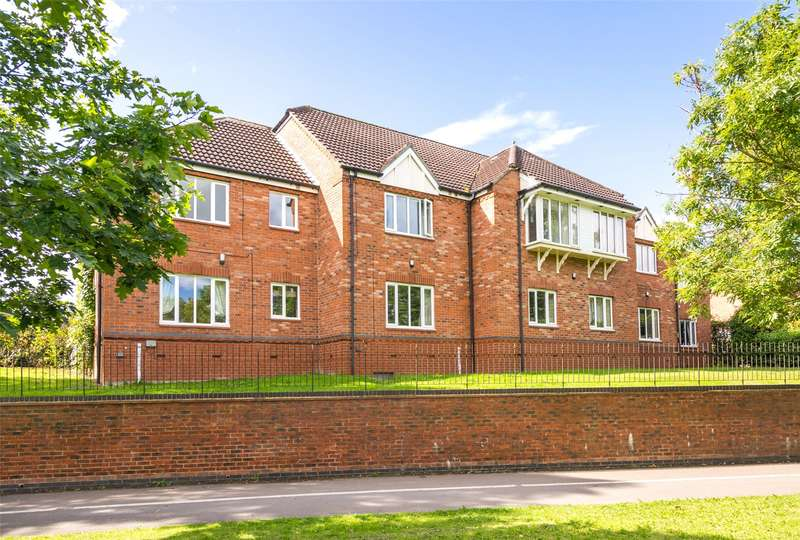 2 Bedrooms Flat for sale in Kensington House, Aldborough Way, York, YO26