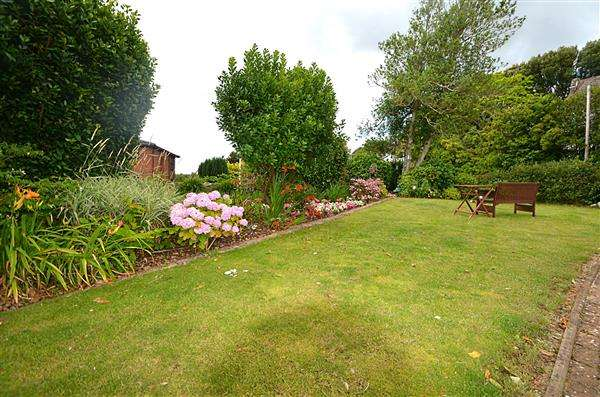 2 Bedrooms Apartment Flat for sale in Whickham Lodge, East Cliff Road, Dawlish