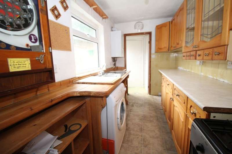 2 Bedrooms Semi Detached House for sale in Thayers Farm Road, Beckenham, BR3