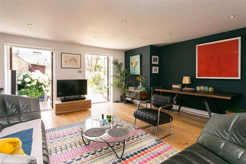 2 Bedrooms Flat for sale in Sugden Road, London, SW11