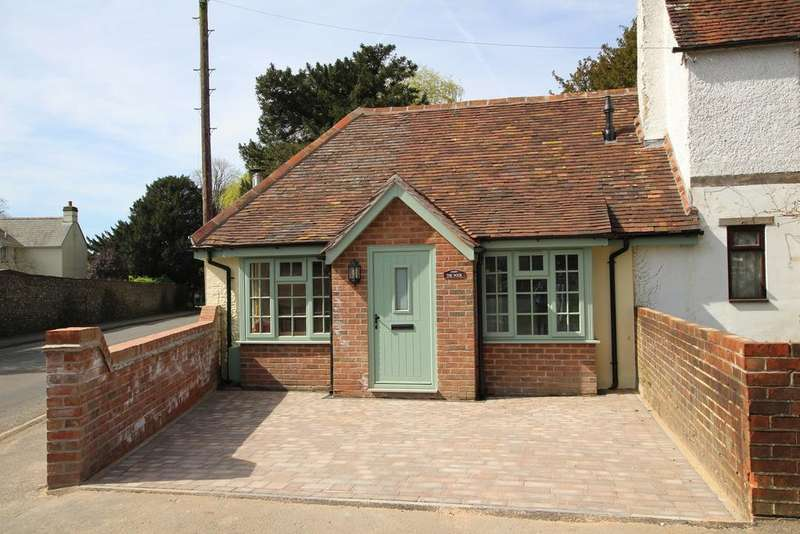 2 Bedrooms Semi Detached House for sale in SOUTHWICK ROAD, DENMEAD
