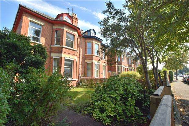 3 Bedrooms Flat for sale in London Road, CHELTENHAM, Gloucestershire, GL52 6HJ