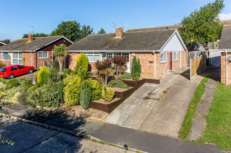 2 Bedrooms Semi Detached House for sale in Risdon Close, Canterbury