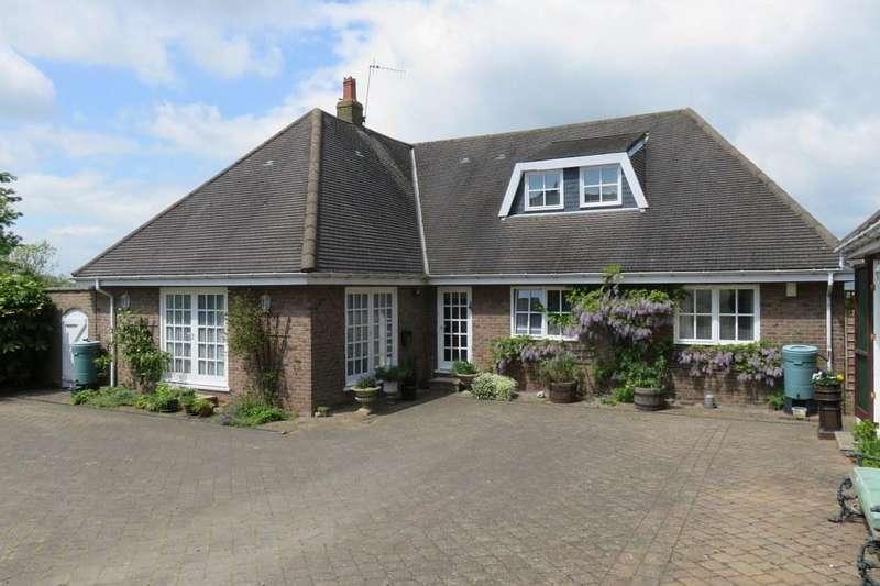5 Bedrooms Village House for sale in Bag End, Rectory Close, West Heslerton, YO17 8RZ