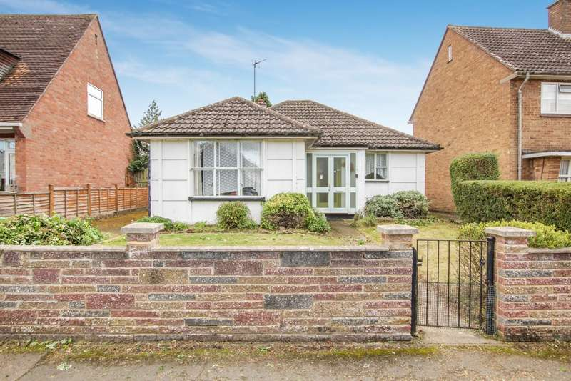 3 Bedrooms Detached Bungalow for sale in Cratlands Close, Stadhampton