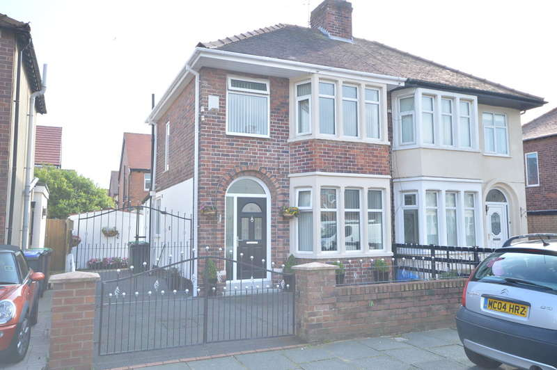3 Bedrooms Semi Detached House for sale in Cheddar Avenue, South Shore, Blackpool