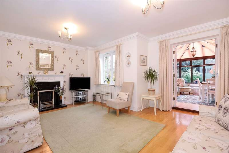 3 Bedrooms Semi Detached House for sale in Grove Lane, Chalfont St. Peter, Gerrards Cross, SL9
