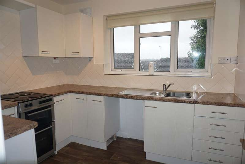 2 Bedrooms Apartment Flat for sale in Queen Margarets Road, Scarborough, YO11 2SA