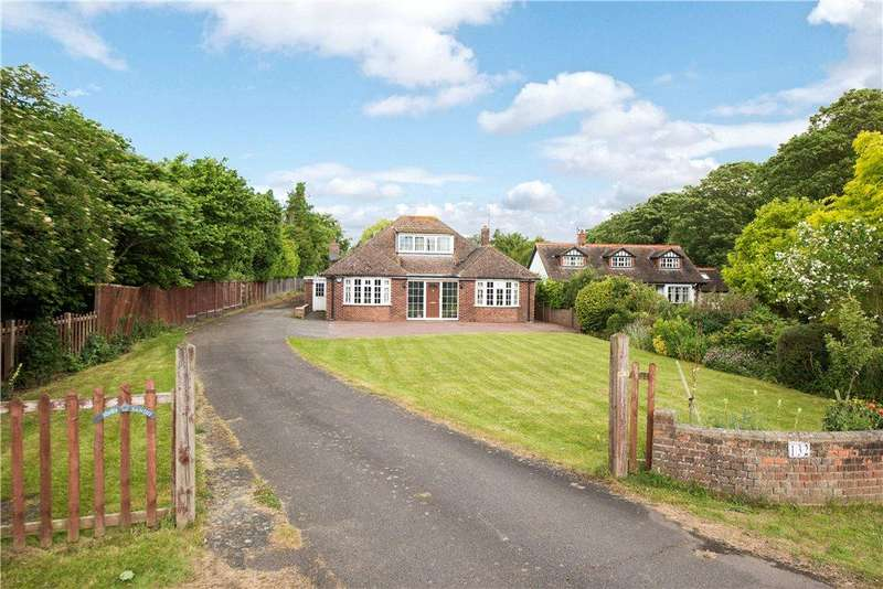 4 Bedrooms Detached House for sale in Stagsden Road, Bromham, Bedford, Bedfordshire