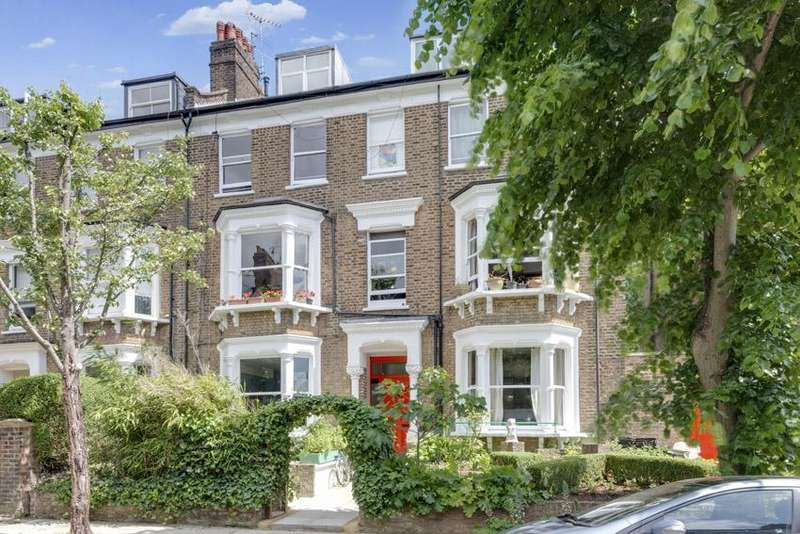2 Bedrooms Ground Flat for sale in South Hill Park Gardens, Hampstead, London NW3