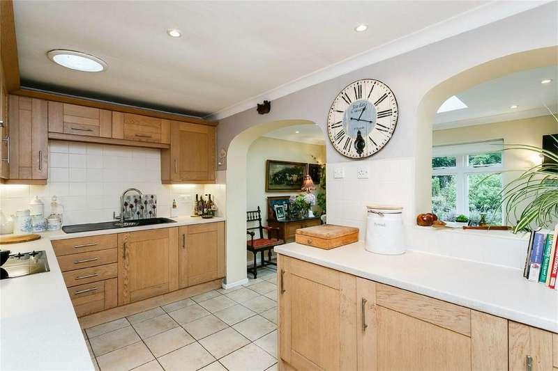 3 Bedrooms Detached Bungalow for sale in Pinkham Lane, Cleobury Mortimer, Kidderminster, Shropshire