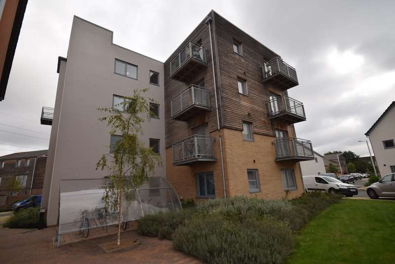 2 Bedrooms Apartment Flat for sale in Silver Train Gardens, Dartford, Kent, DA1