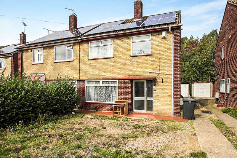 3 Bedrooms Semi Detached House for sale in Chaucer Road, Peterborough, PE1