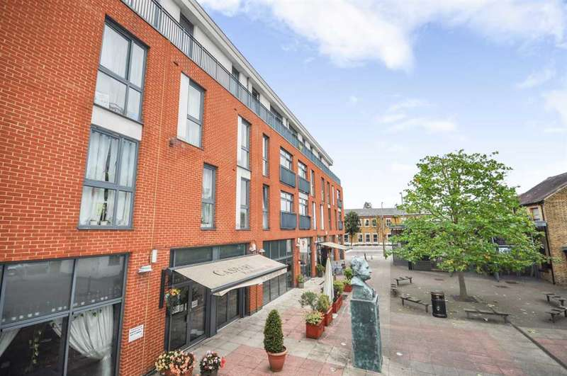 2 Bedrooms Apartment Flat for sale in Liberty House, Guildford Street, Chertsey