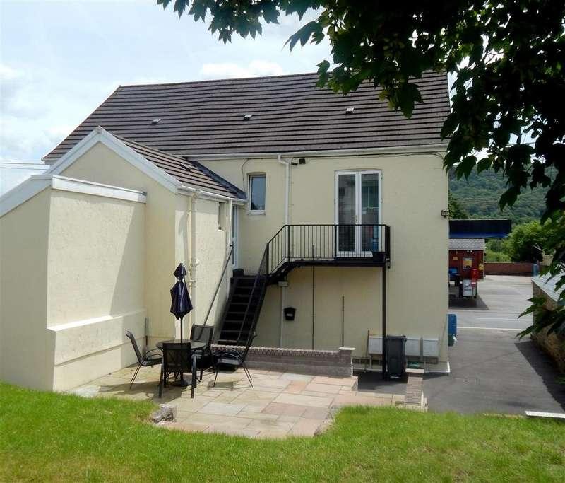 3 Bedrooms Flat for sale in Swansea Road, Pontardawe, Swansea