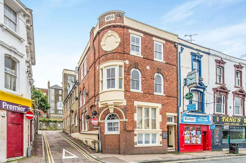 1 Bedroom Flat for sale in High Street, Chatham, ME4