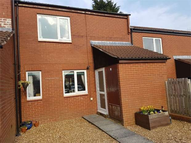 2 Bedrooms Terraced House for sale in Thistlecroft, Ingol, Preston, Lancashire