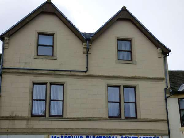 2 Bedrooms Flat for sale in 11 Cardiff Street, Millport, Isle of Cumbrae, KA28 0AS