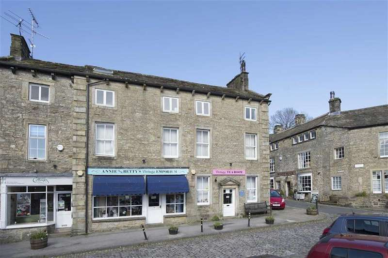 4 Bedrooms Terraced House for sale in The Square, Grassington, BD23