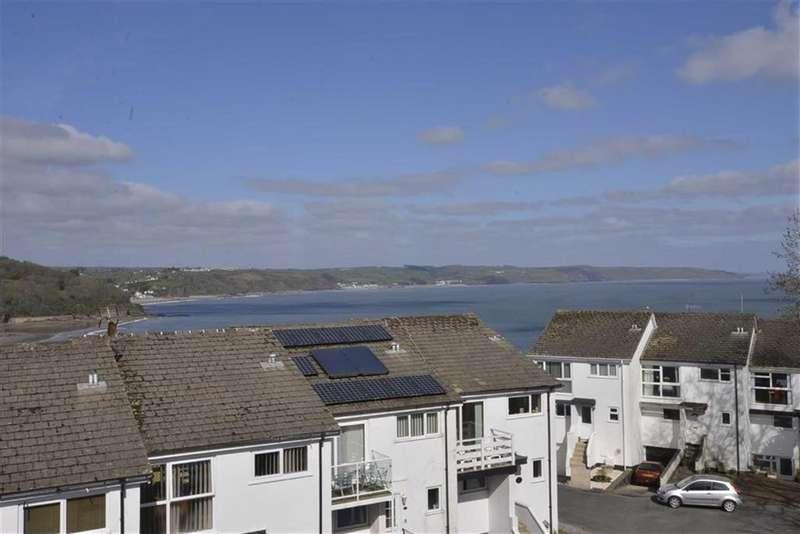 1 Bedroom Flat for sale in 32, Captains Walk, Saundersfoot, Pembrokeshire, SA69