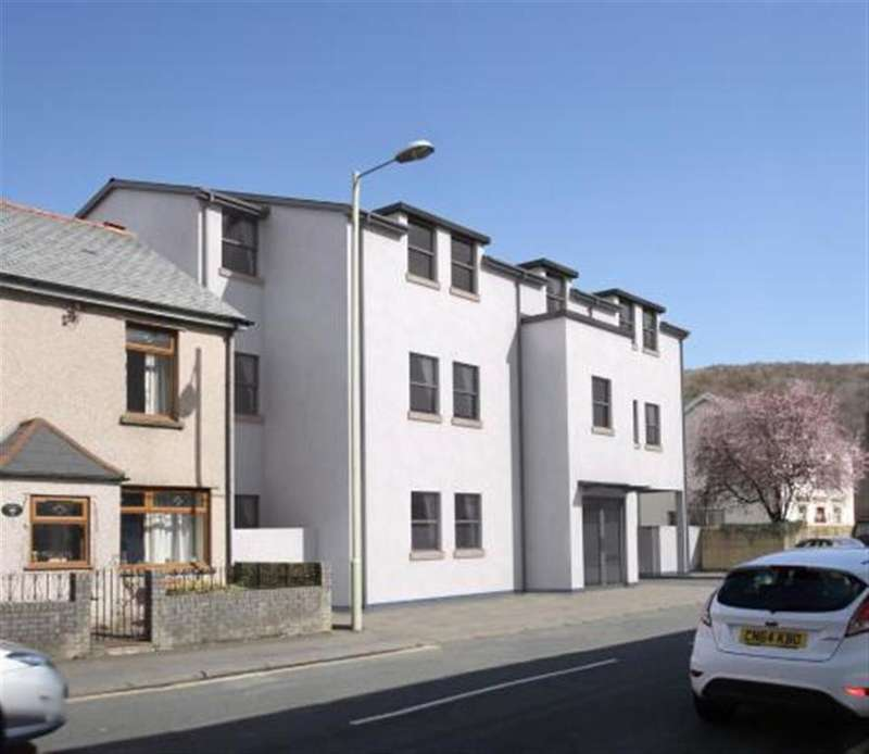 2 Bedrooms Flat for sale in Cardiff Road, Taffs Well, Cardiff