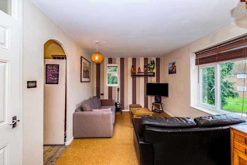 1 Bedroom Flat for sale in Byron Road, Rustington, Littlehampton, West Sussex BN16 2NZ