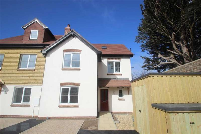 3 Bedrooms Terraced House for sale in Matrons Cottages, East Preston, West Sussex
