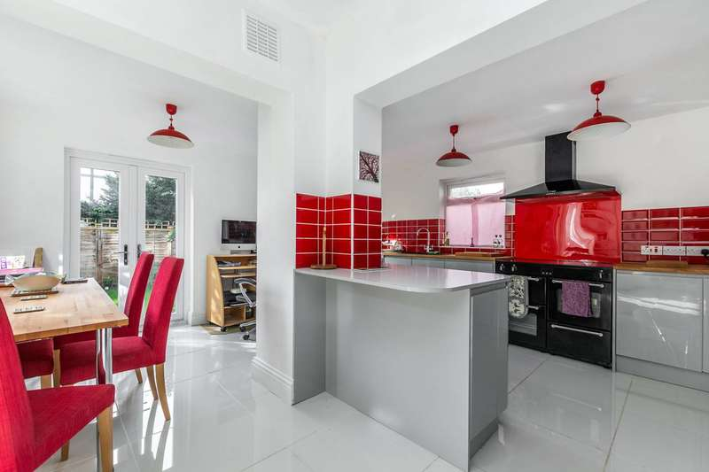4 Bedrooms House for sale in Whitton Road, Twickenham, TW2