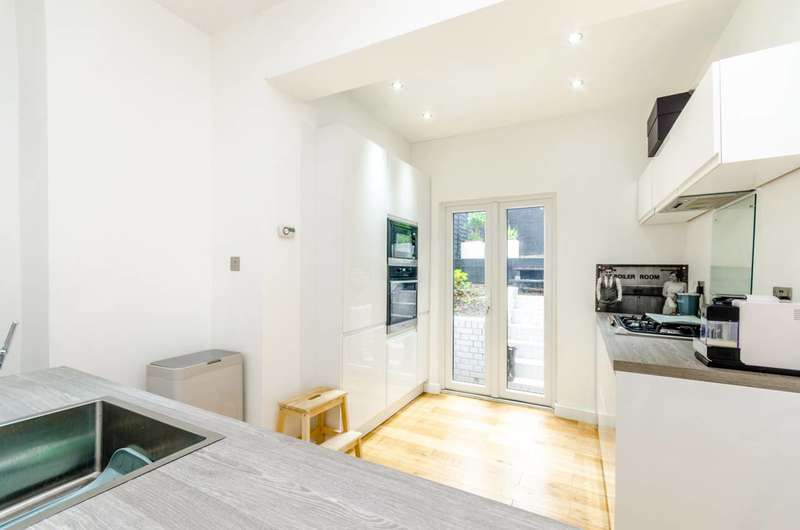 1 Bedroom Flat for sale in Methuen Park, Muswell Hill, N10