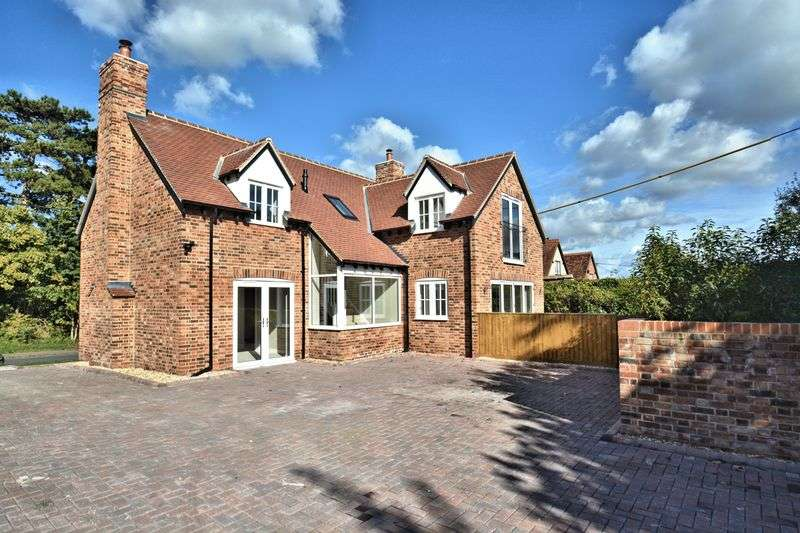 4 Bedrooms Property for sale in Manor Road, Didcot
