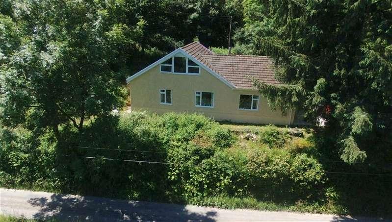 4 Bedrooms Property for sale in Pandy,Meidrim