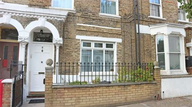 3 Bedrooms Maisonette Flat for sale in John Campbell Road, London